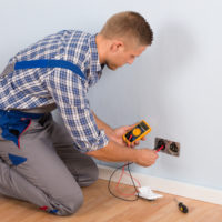 Hiring an Electrician in Ahwatukee